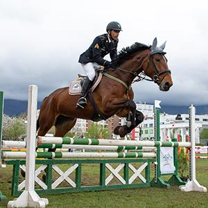 Amro El Geziry during a modern pentathlon competition on horseback.