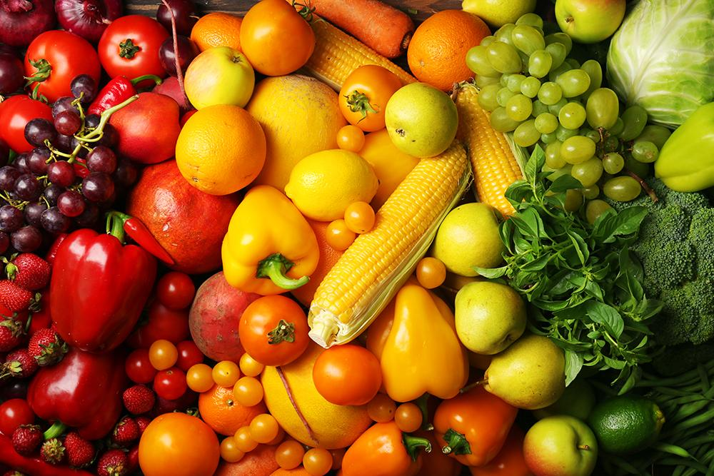Rainbow closeup of fruits and vegetables.