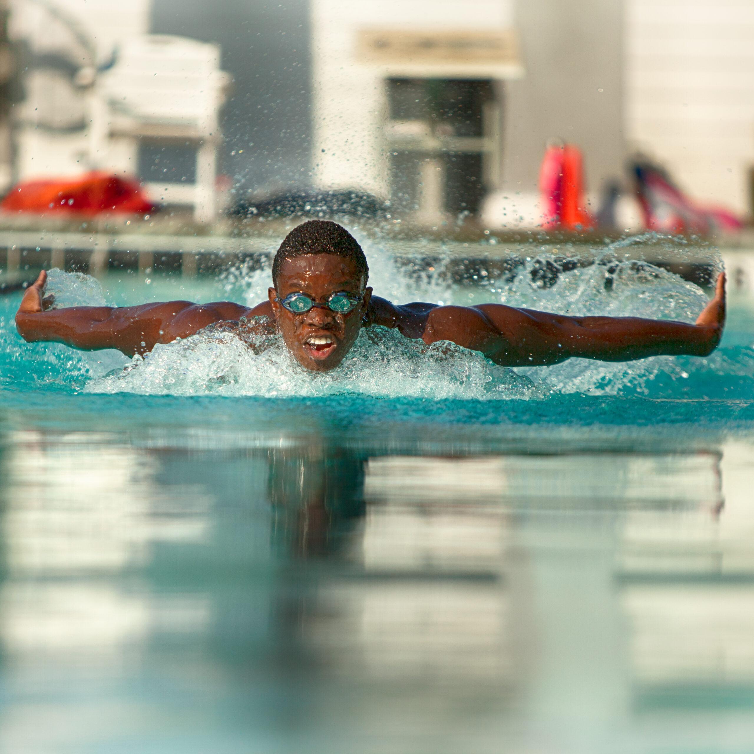 boy swimming_sq